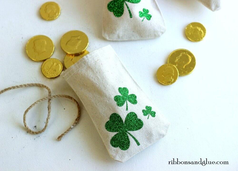 DIY St. Patricks Day Craft - Lucky Shamrock Treat Bags for Kids